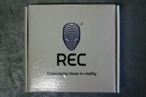Eine Schachtel voll REC PLA Filament